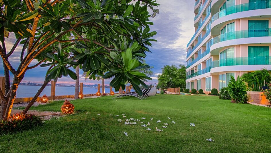 Pattaya Property Condo by the Beach for Rent Sea View Paradise Ocean View