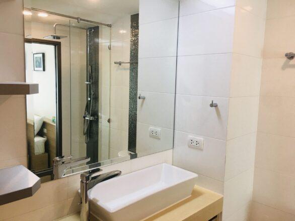 City Garden Tropicana Bathroom Condominium Apartments in Pattaya