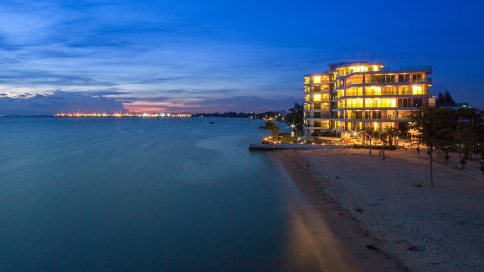 Condo For Rent Pattaya on the Beach with Sea View Paradise Ocean View Condominium