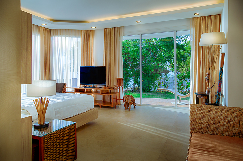 Pattaya Apartment for Rent Riverfront Two Bedroom Condo Paradise Ocean View